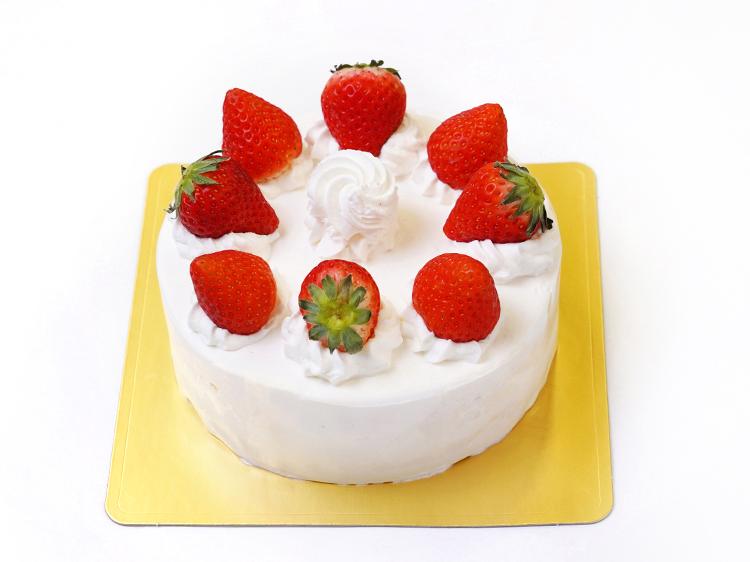 生クリームデコレーションケーキ(いちご飾り)